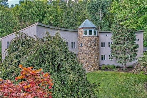 Photo of 8 Debbie Court, Chester, NY 10918 (MLS # H6144029)