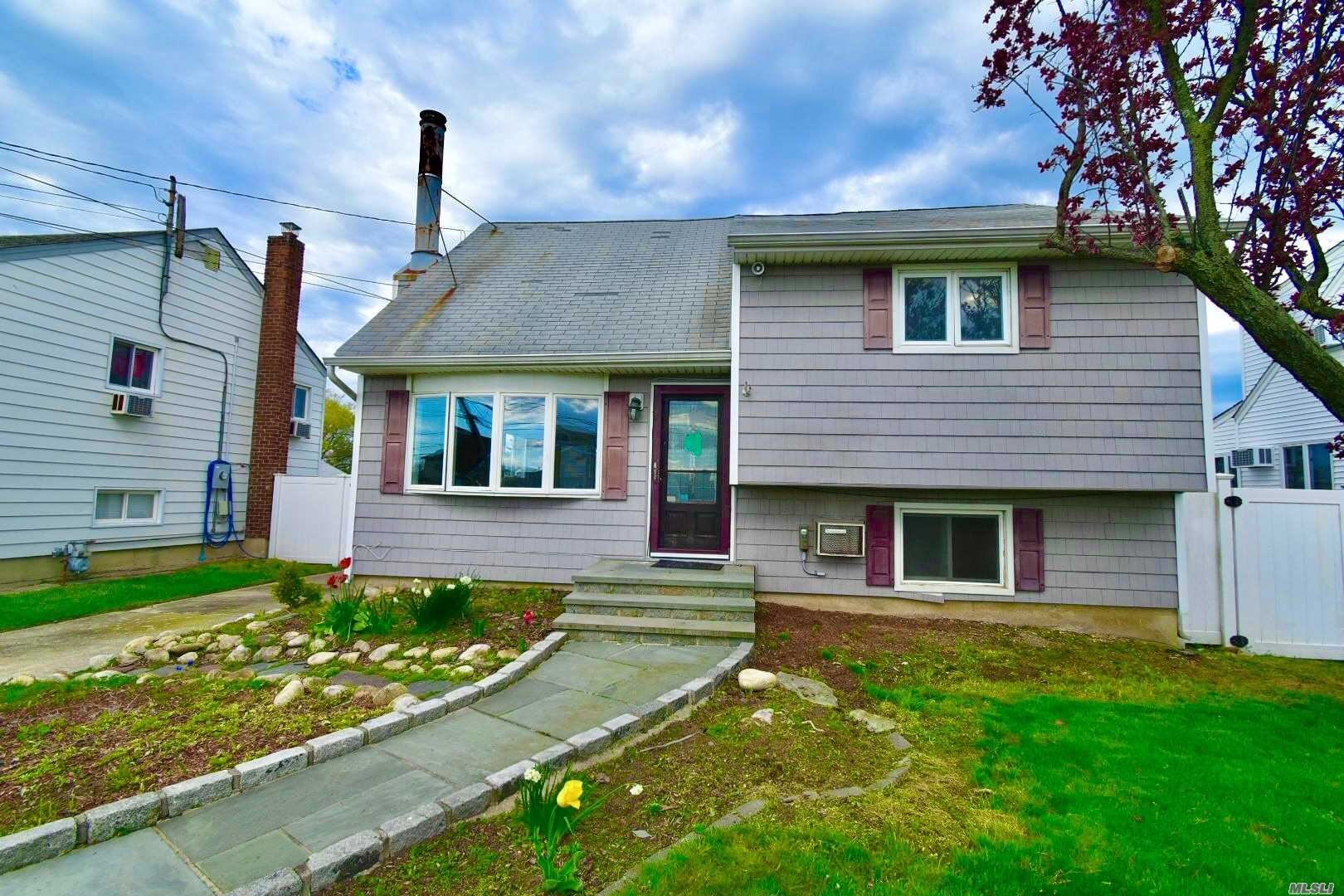 375 East Drive, Copiague, NY 11726 - MLS#: 3218031