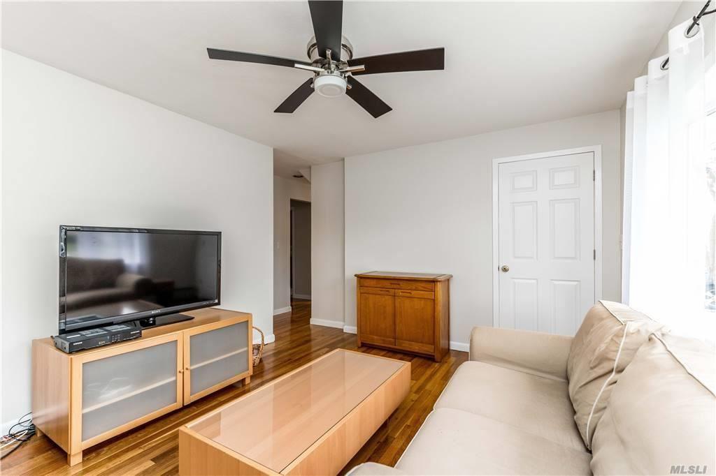 Photo of 59 Riverside Avenue, Merrick, NY 11566 (MLS # 3251031)