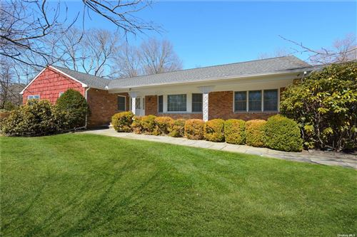 Photo of 520 Muttontown Eastw Road, Muttontown, NY 11791 (MLS # 3291033)