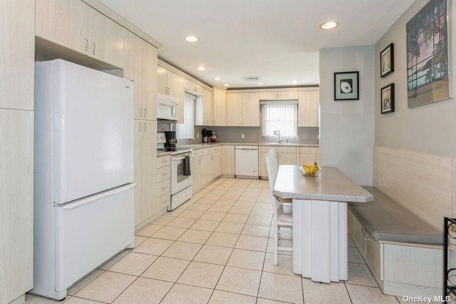754 Truman Avenue, East Meadow, NY 11554 - MLS#: 3345033