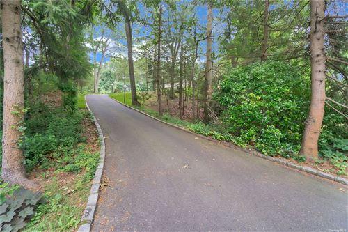Photo of 70 Kendrick Lane, Dix Hills, NY 11746 (MLS # 3324035)