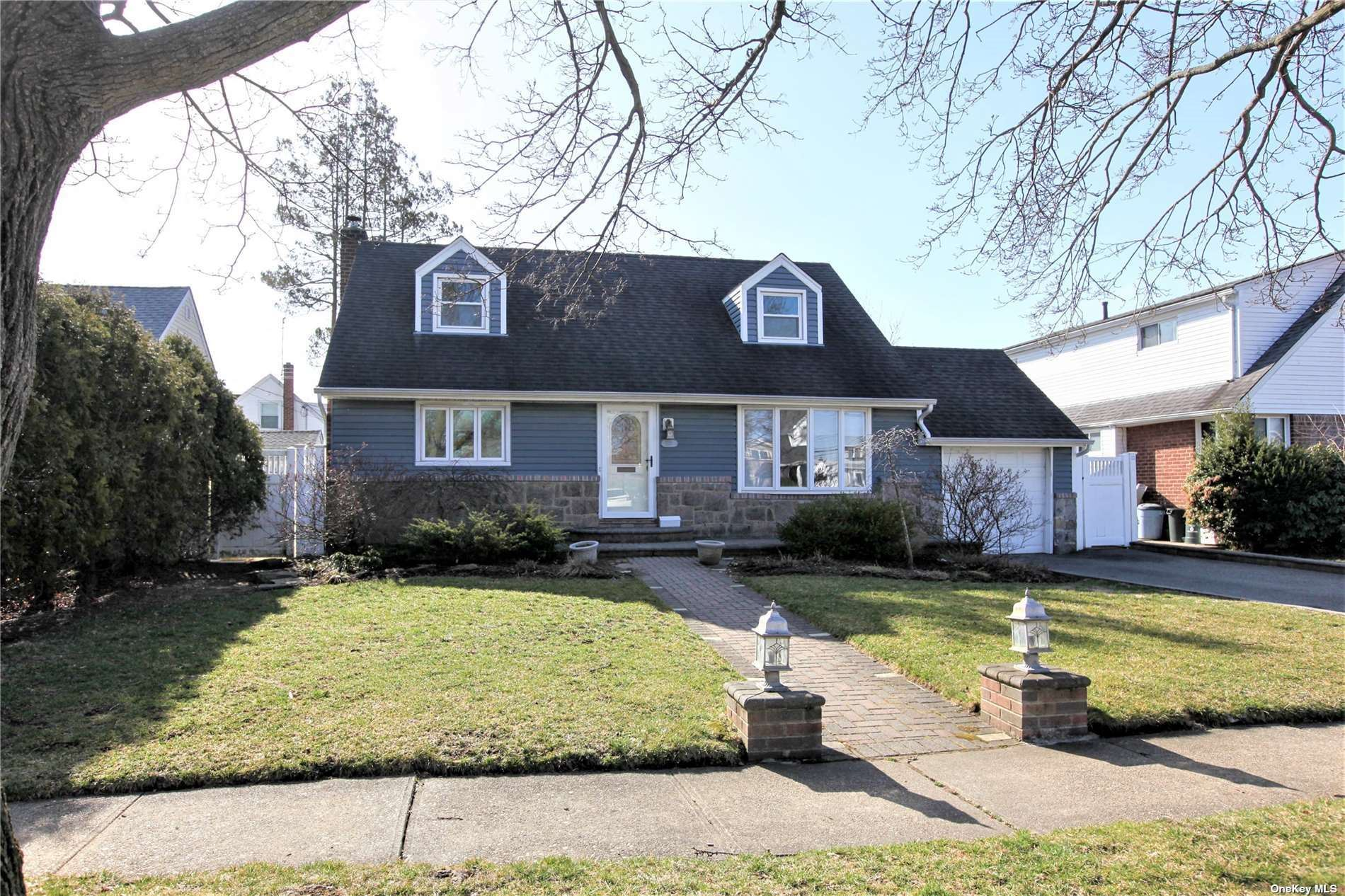2712 Concord Drive, East Meadow, NY 11554 - MLS#: 3296036
