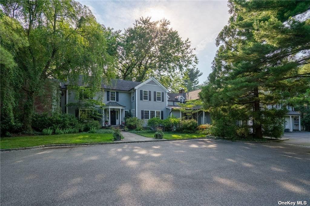 Photo of 1280 Ridge Road, Laurel Hollow, NY 11791 (MLS # 3295038)
