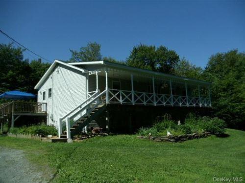 Photo of 286 Hahn Road, Livingston Manor, NY 12758 (MLS # H6105039)