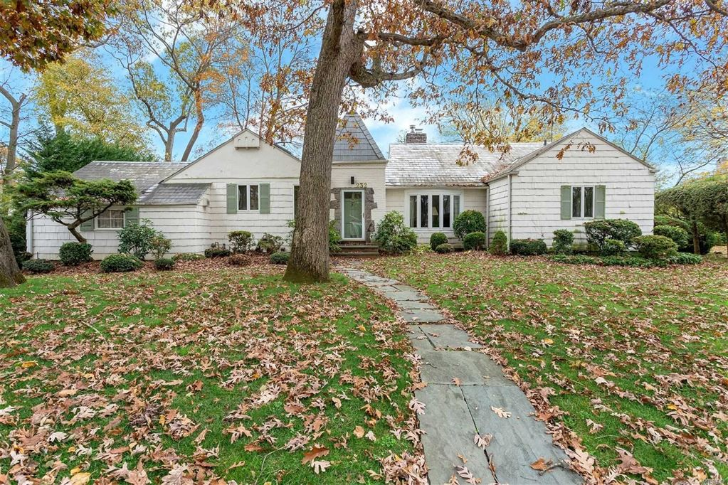 232 Round Hill Road, East Hills, NY 11577 - MLS#: 3179039
