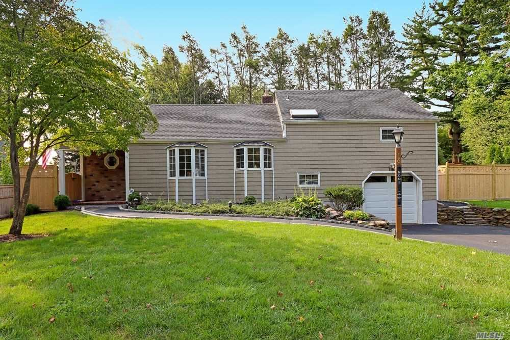 16 Overhill Road, Melville, NY 11747 - MLS#: 3246039
