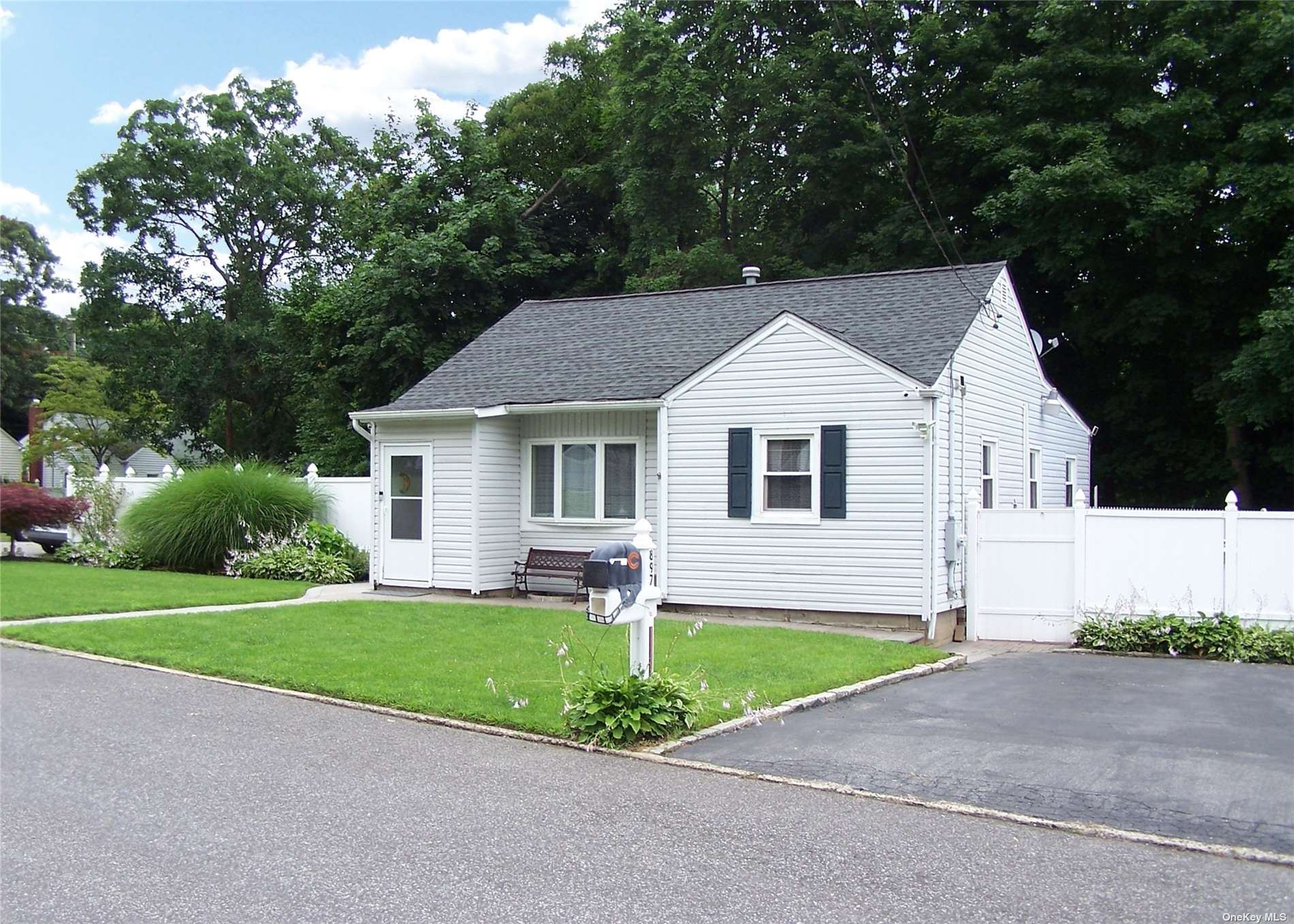 897 Old North Ocean Avenue, Patchogue, NY 11772 - MLS#: 3330041