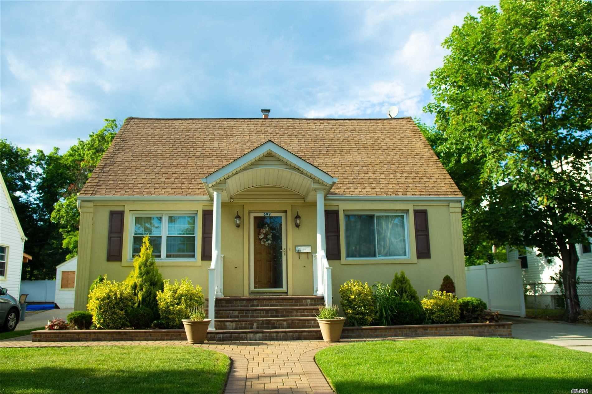 699 Midwood St, Uniondale, NY 11553 - MLS#: 3227042