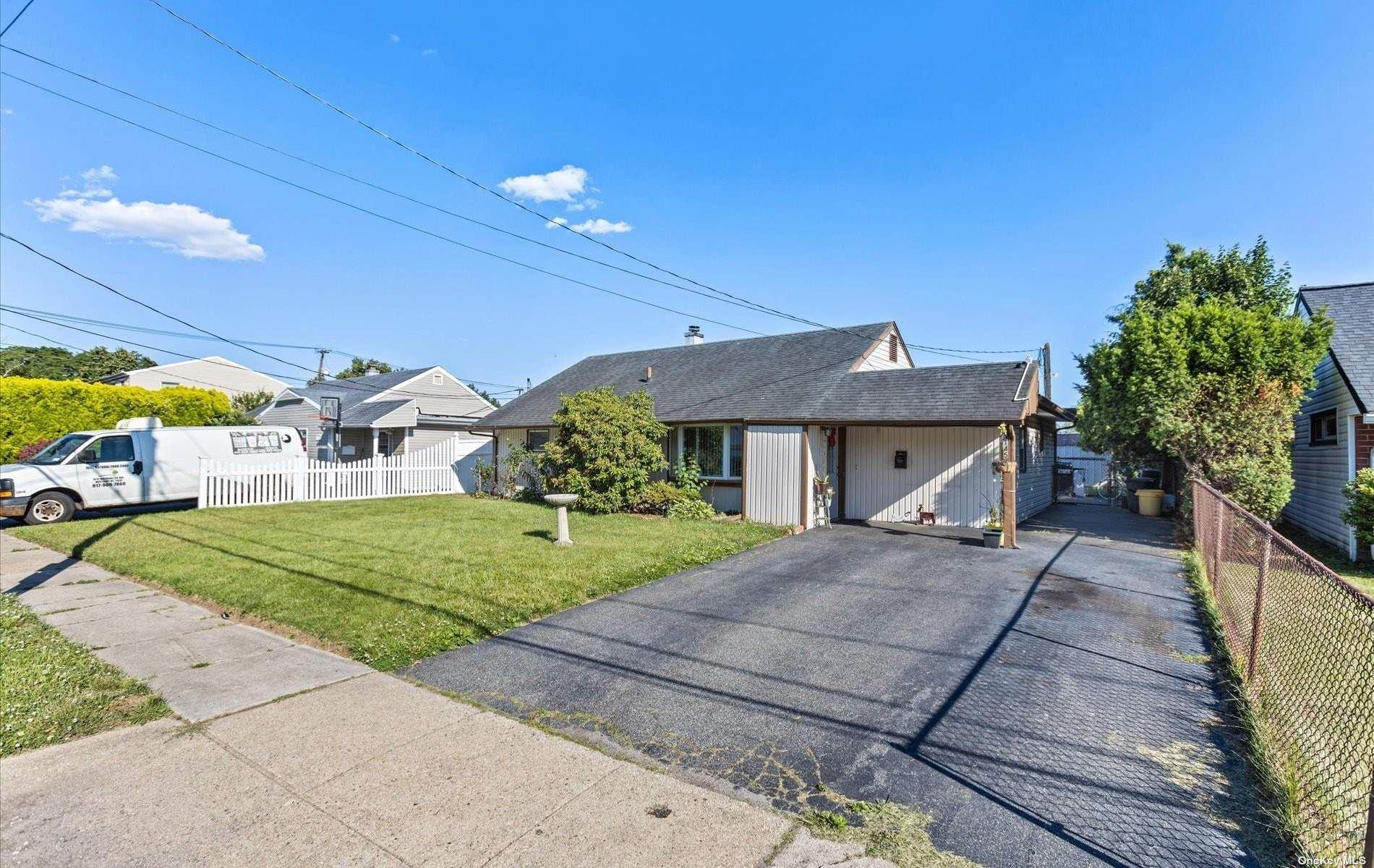 145 3rd Street, Hicksville, NY 11801 - MLS#: 3323042