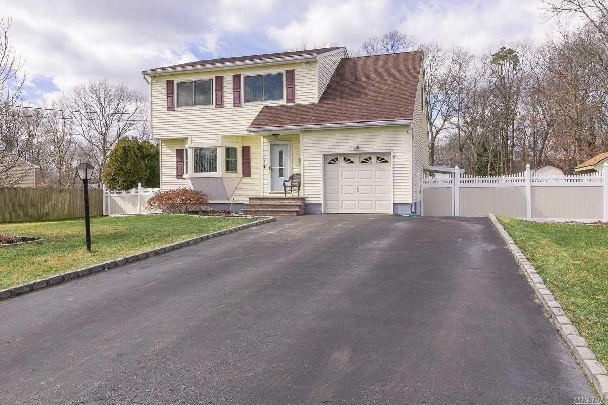 433 Sleepy Hollow Drive, Shirley, NY 11967 - MLS#: 3205043