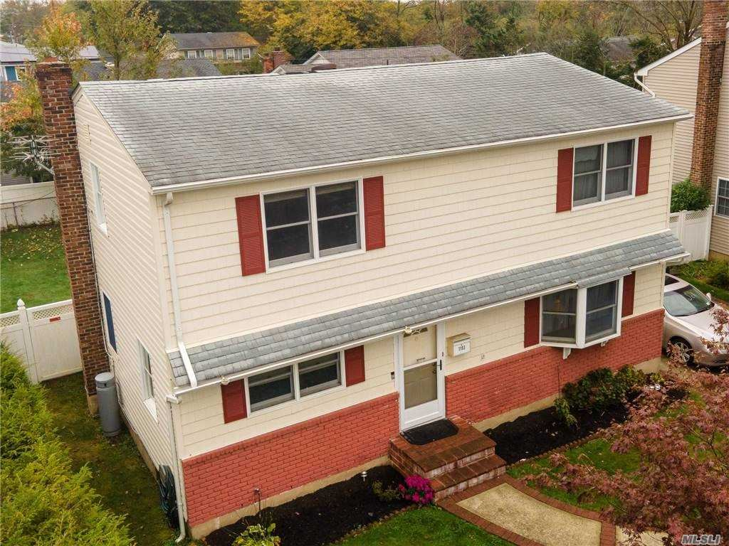 Photo of 1193 Eastview Ave, Wantagh, NY 11793 (MLS # 3265045)