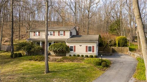 Photo of 7 Londonderry Lane, Somers, NY 10589 (MLS # H6030046)