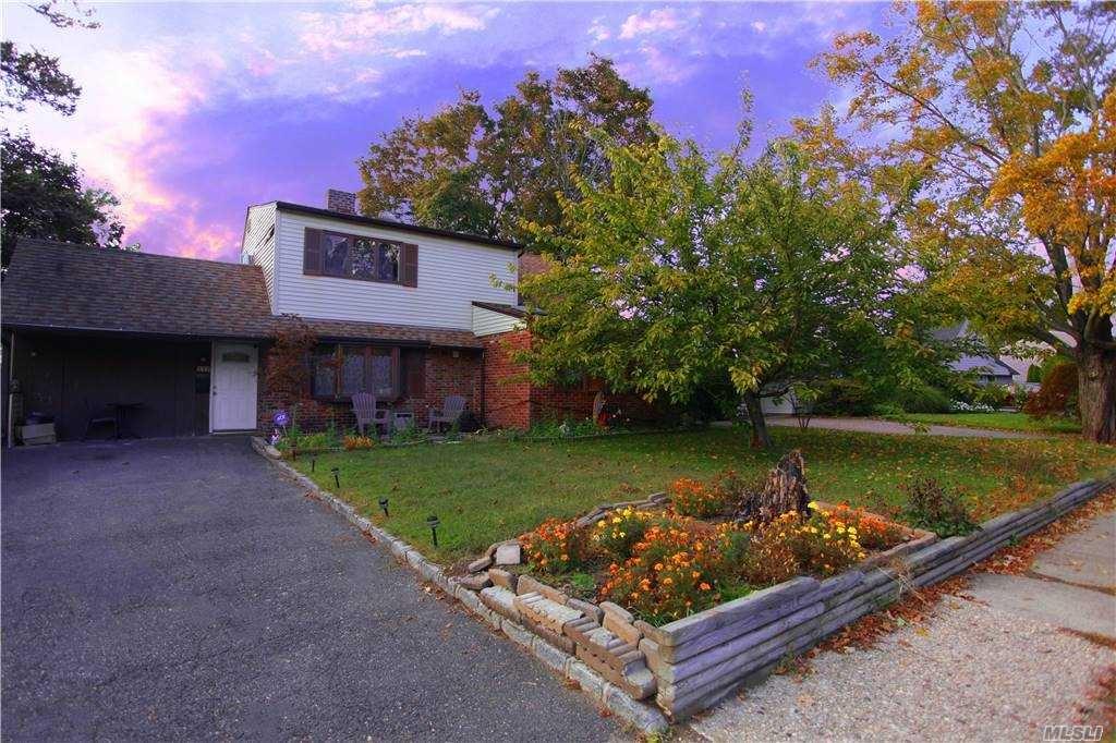 117 E Cabot Lane E, Westbury, NY 11590 - MLS#: 3259050