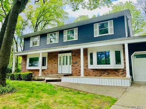 Photo of 8 Poplar Ct, Miller Place, Ny 11764 (MLS # 3211051)
