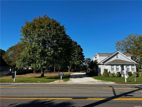 Photo of 91 Old Riverhead Road, Westhampton Bch, NY 11978 (MLS # 3343052)