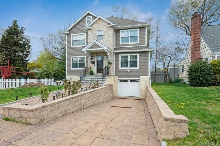 Photo of 225 Park Drive, Eastchester, NY 10709 (MLS # H6111055)