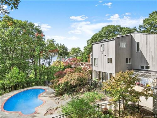 Photo for 4 Prickly Pear Hill Road, Croton-on-Hudson, NY 10520 (MLS # H6131057)