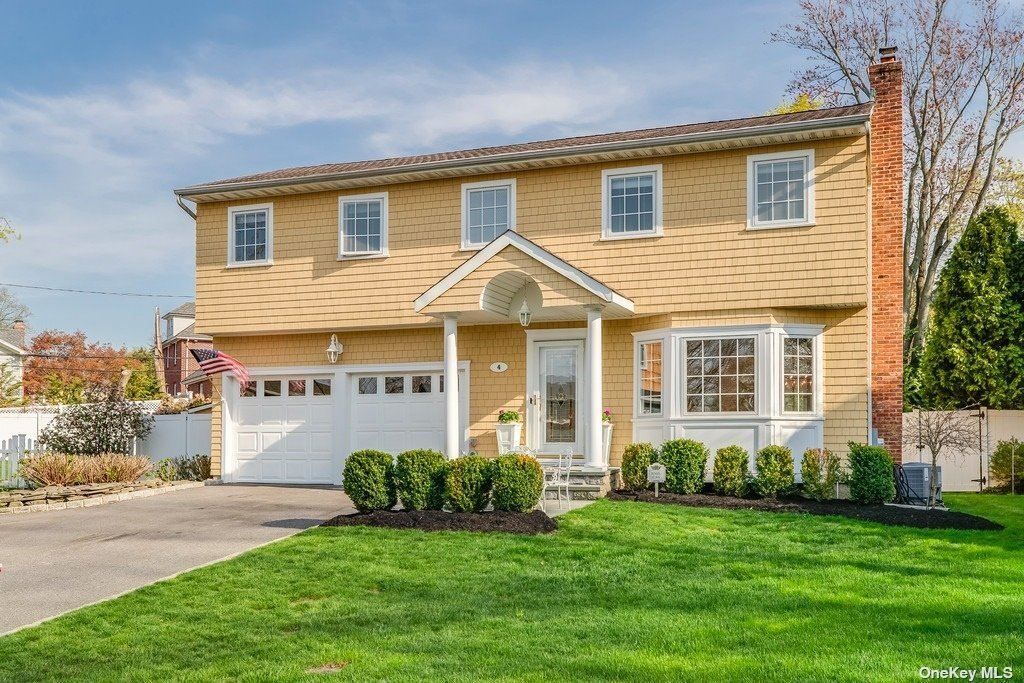 Photo of 4 Keel Court, Oyster Bay, NY 11771 (MLS # 3306057)