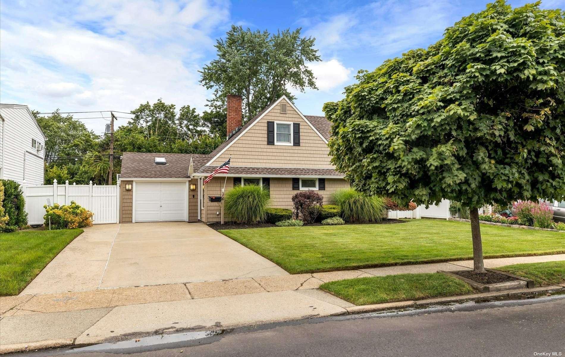 16 Walnut Lane, Hicksville, NY 11801 - MLS#: 3336057