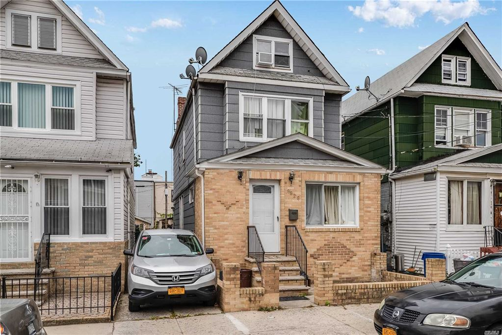 8828 74th Pl, Woodhaven, NY 11421 - MLS#: 3174061