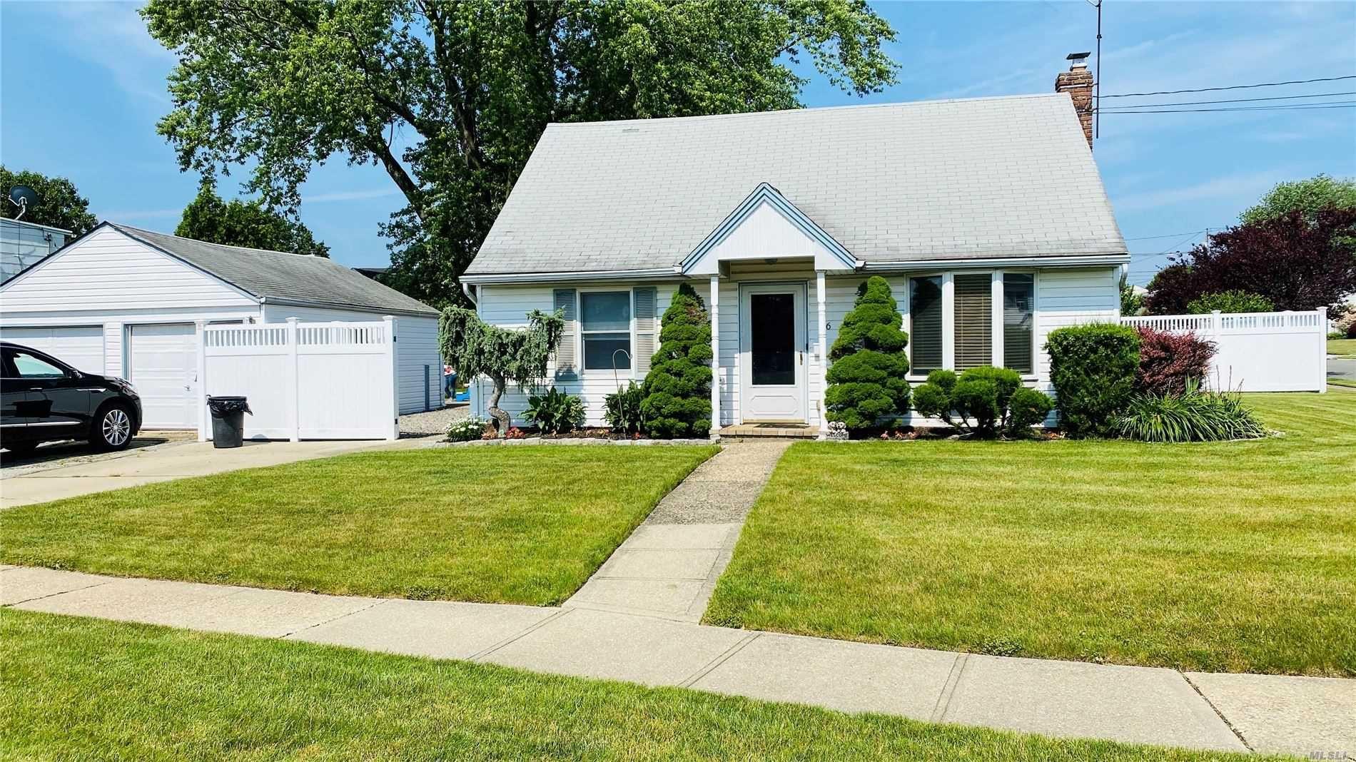 66 E Birch Avenue, Farmingdale, NY 11735 - MLS#: 3205062