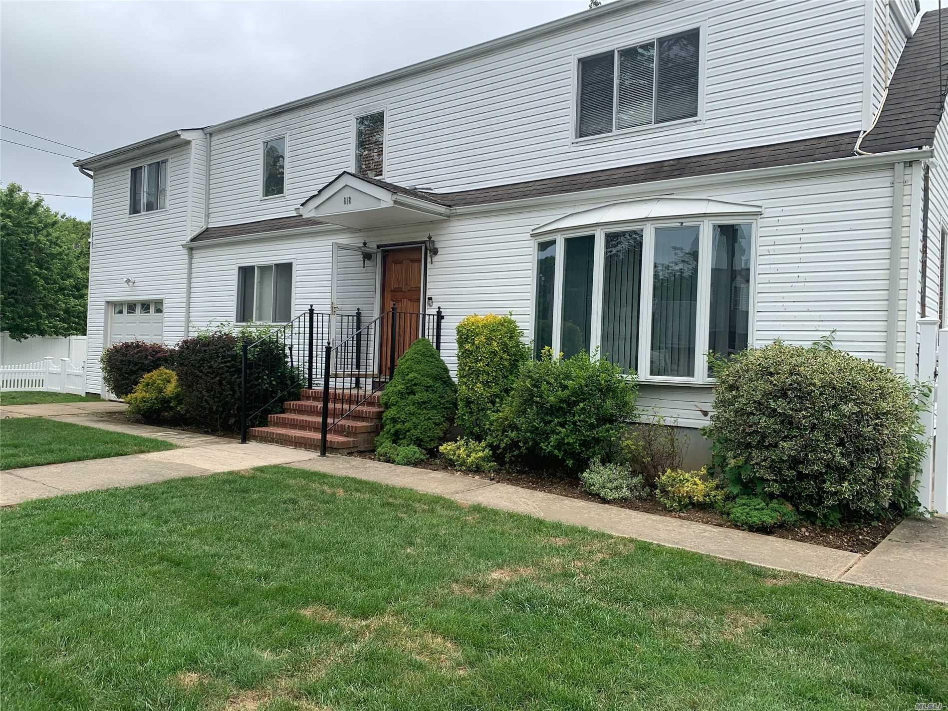618 May St, Hempstead, NY 11550 - MLS#: 3224065