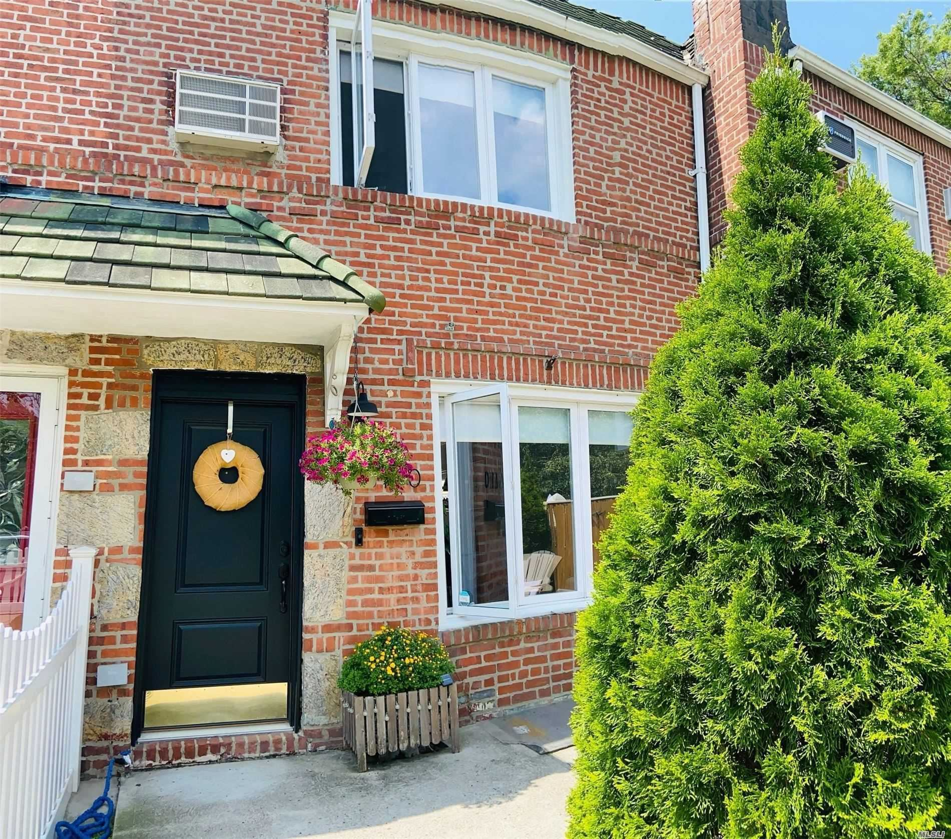 6110 78th St, Middle Village, NY 11379 - MLS#: 3237066