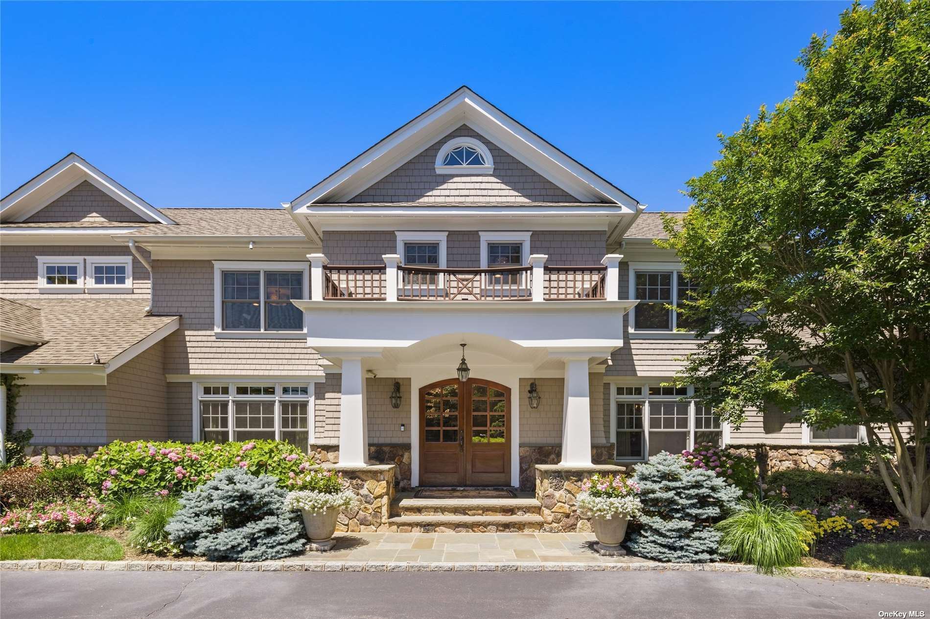 Photo of 6 Pleasant Lane, Oyster Bay Cove, NY 11771 (MLS # 3315066)