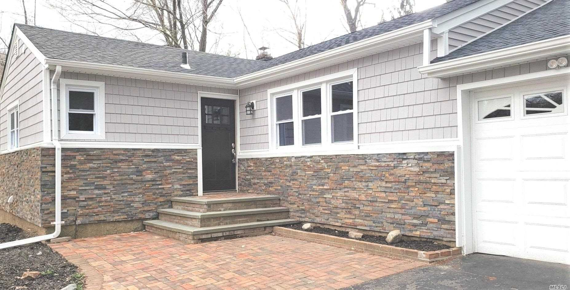 Photo of 15 Renville Court, Mill Neck, NY 11765 (MLS # 3211067)