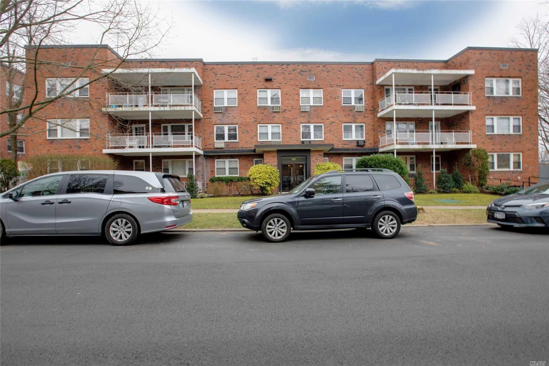 20 Hillpark Avenue #2E, Great Neck, NY 11021 - MLS#: 3201069