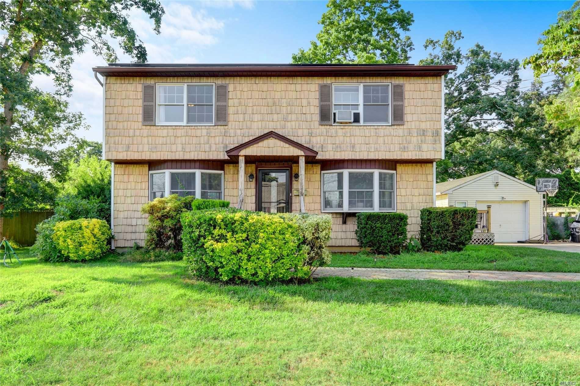 515 Cypress St, North Babylon, NY 11703 - MLS#: 3235071