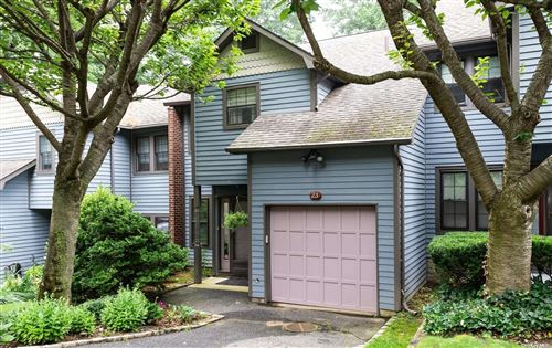 Photo of 23 Derby Court #23, Oyster Bay, NY 11771 (MLS # 3330073)