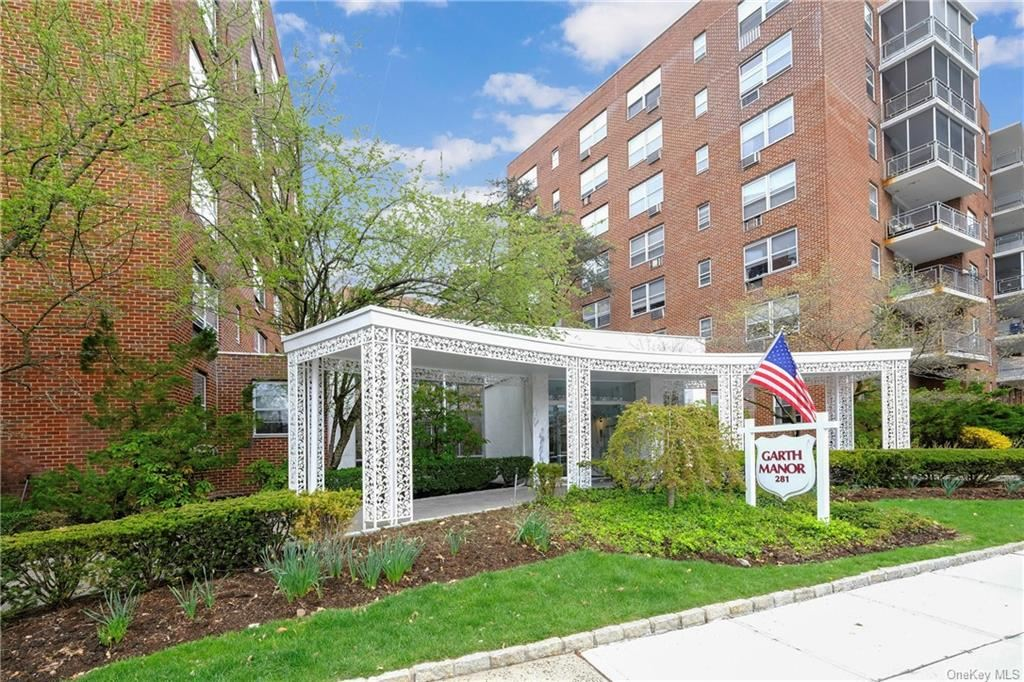 Photo of 281 Garth Road #B5G, Eastchester, NY 10583 (MLS # H6099073)