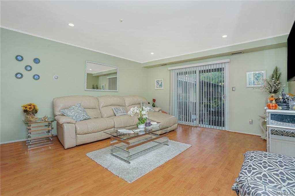 10 Hemlock Court, Selden, NY 11784 - MLS#: 3261075