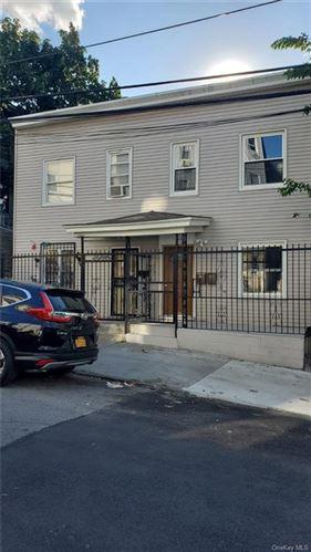 Photo of 31 Van Cortlandt Park Avenue, Yonkers, NY 10701 (MLS # H6042077)