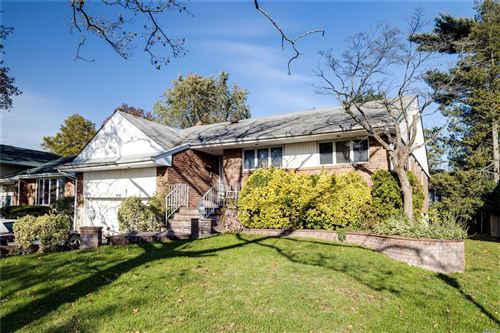 Photo of 878 Cranford Ave, N. Woodmere, NY 11581 (MLS # 3184082)