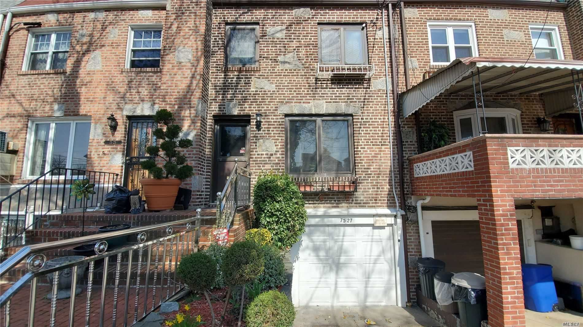 75-27 Furmanville Ave, Middle Village, NY 11379 - MLS#: 3224082