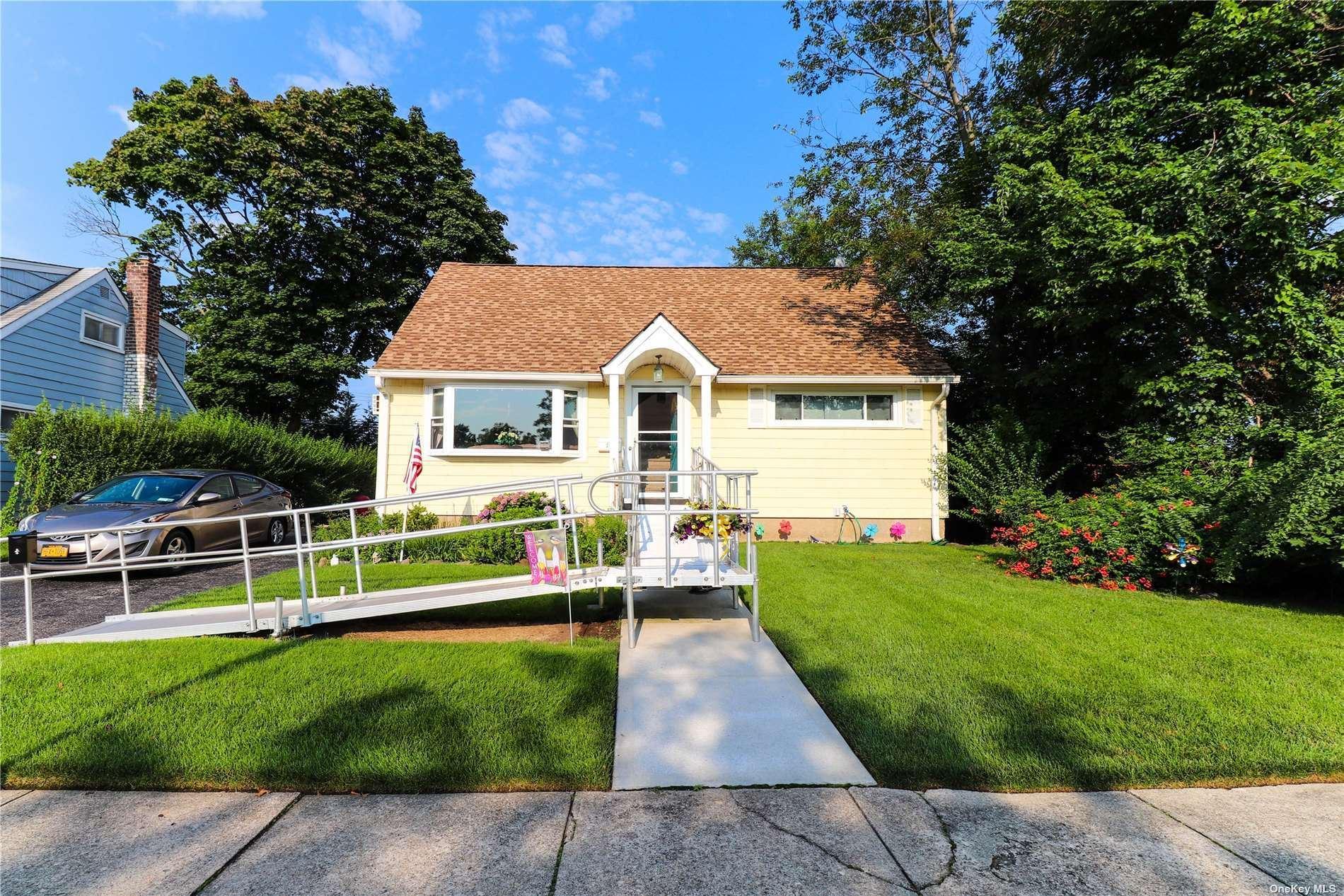 11 Rosemary Drive, Massapequa, NY 11758 - MLS#: 3338083