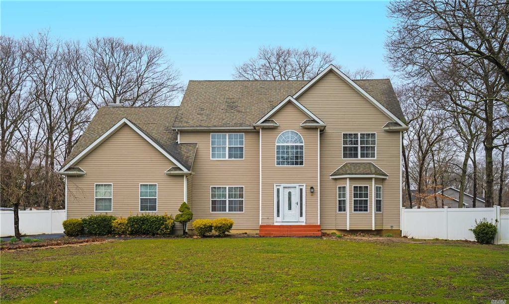 8 Susan Court, Holtsville, NY 11742 - MLS#: 3117085
