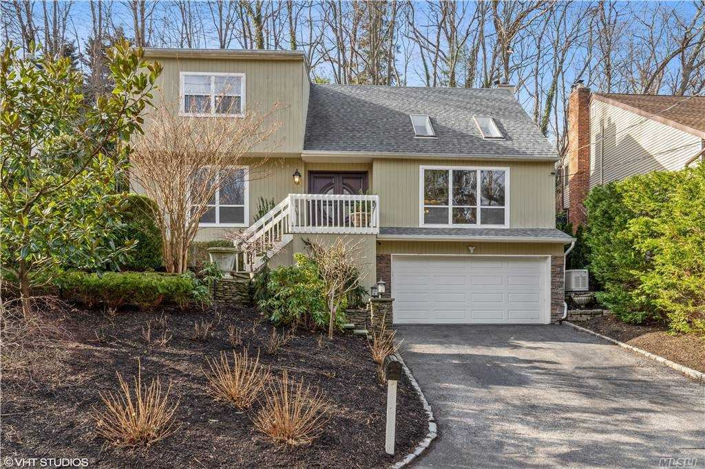 Photo of 62 Sugar Toms Lane, East Norwich, NY 11732 (MLS # 3279085)