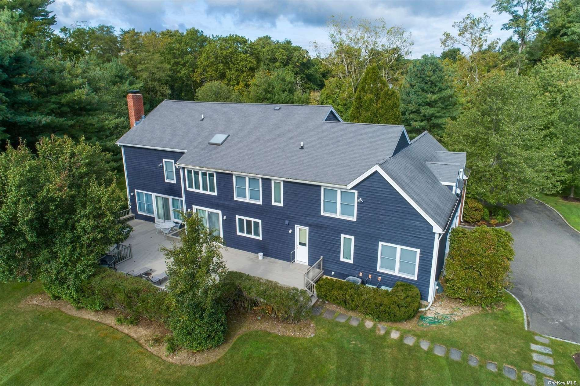 Photo of 1 Westwood Court, Muttontown, NY 11545 (MLS # 3353085)