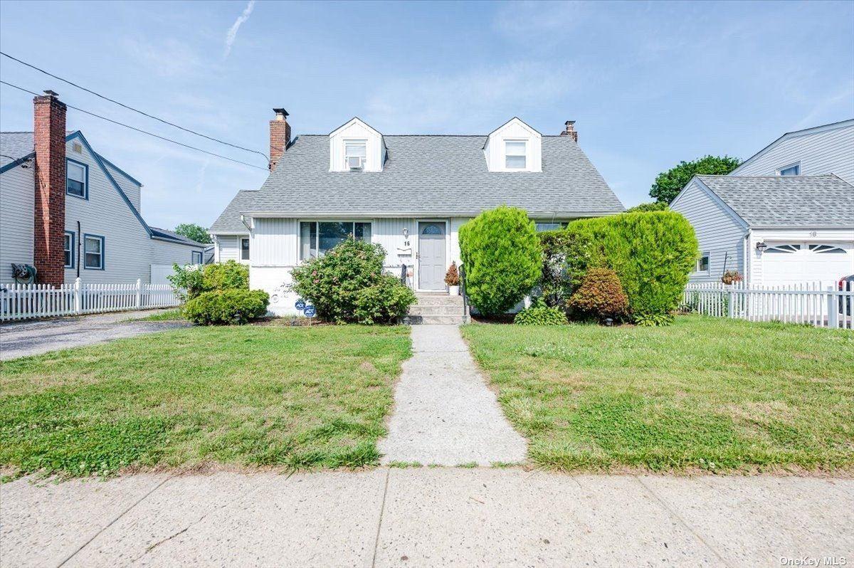 16 Cedar Street, Hicksville, NY 11801 - MLS#: 3320086
