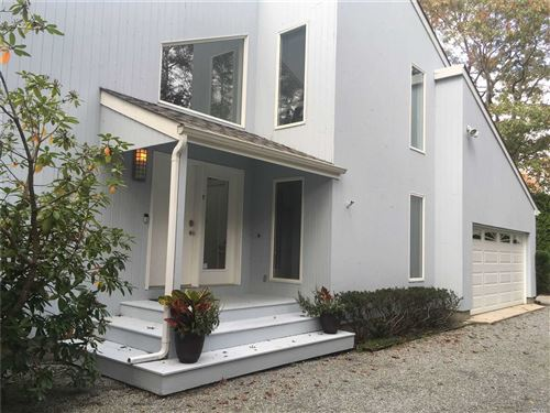 Photo of 7 Midhampton Ct, Quogue, NY 11959 (MLS # 3107087)