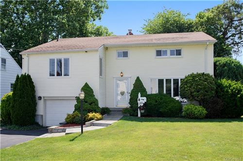 Photo of 7 Darcy Lane, Eastchester, NY 10709 (MLS # H6048089)