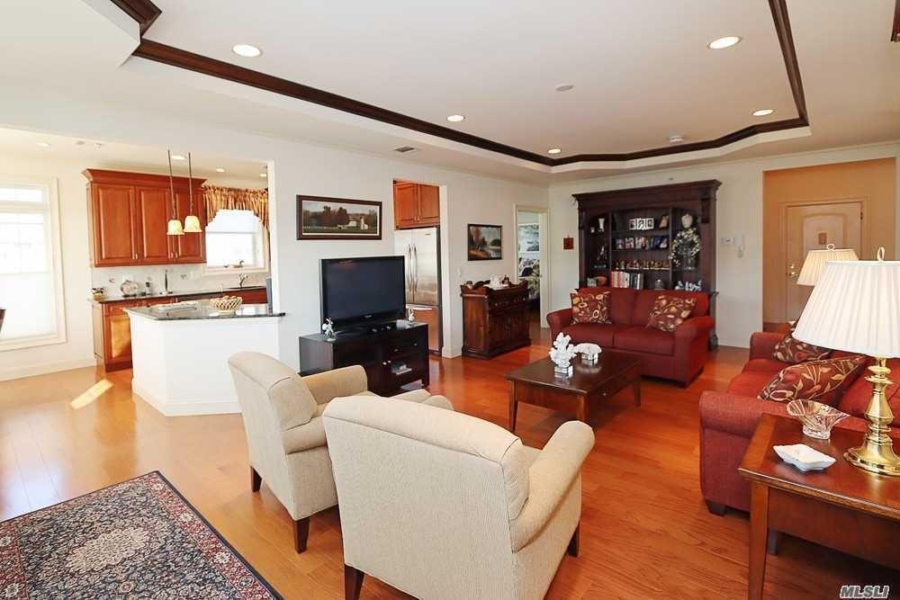 540 Roosevelt Way, Westbury, NY 11590 - MLS#: 3205089