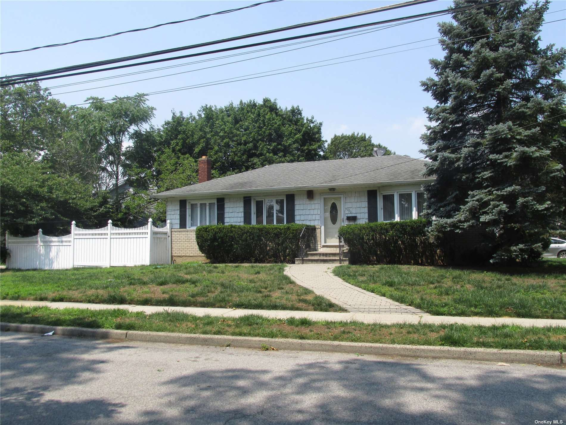 590 Chautauqua Avenue, West Hempstead, NY 11552 - MLS#: 3328091
