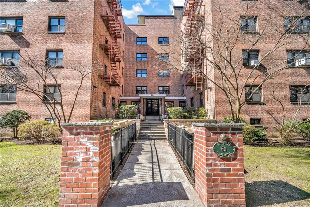 60 White Oak Street #1F, New Rochelle, NY 10801 - #: H6142091