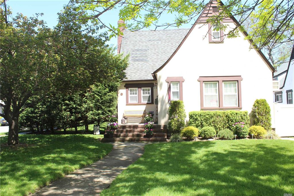 192 Lakeview Avenue, Malverne, NY 11565 - MLS#: 3122092