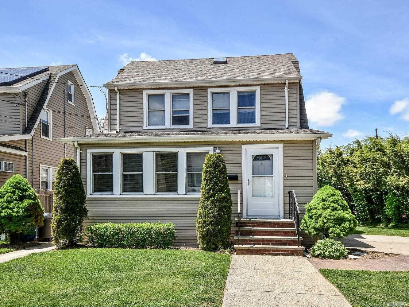 3 Brookwood Street #1st Fl, Glen Head, NY 11545 - MLS#: 3218092